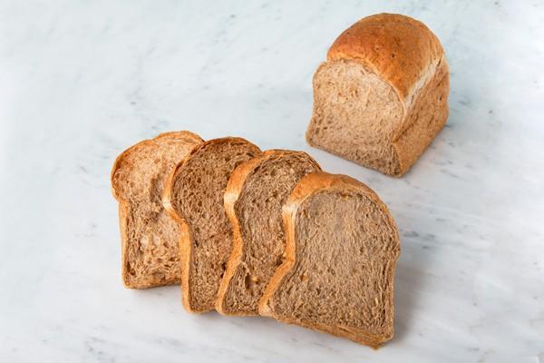 食パン_w842